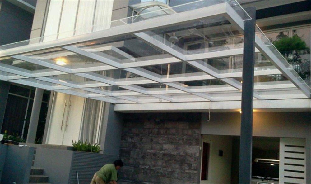 Kanopi dengan kaca tempered